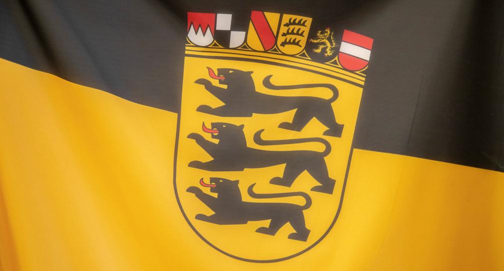 Flagge mit Landeswappen
