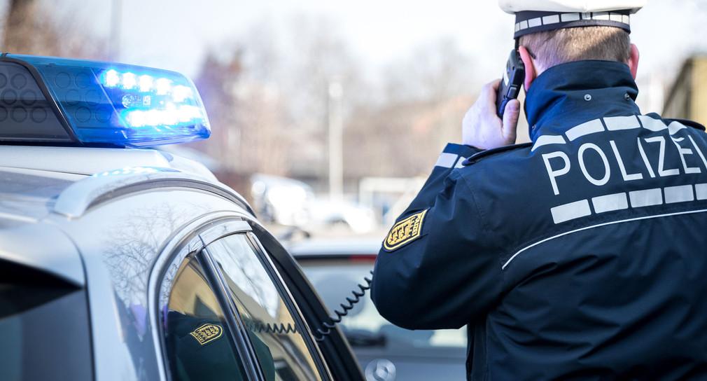 Polizist des Polizeipräsidiums Freiburg auf Streife.