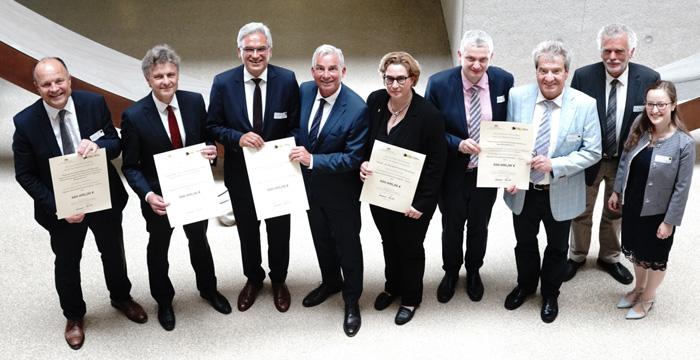 Die Gewinner des Wettbewerbs Teil A der Zukunftskommune@BW. (Foto: © Innenministerium Baden-Württemberg